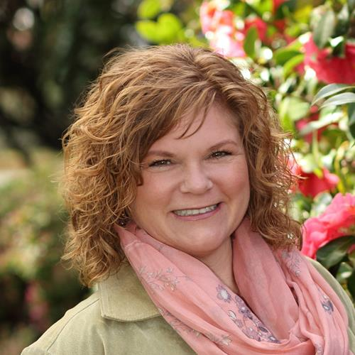Kim Woodring (Johnson) a Canby Real Estate Agent