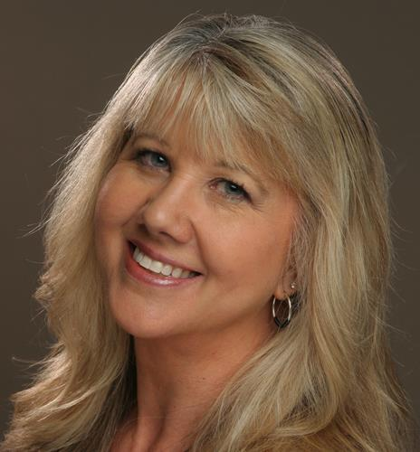 Marcie Brown a Suburban SW Real Estate Agent