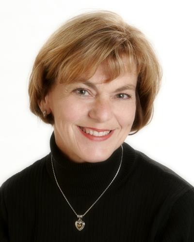 Mary Jo Topaum a Gresham Real Estate Agent