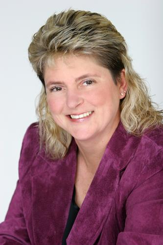 Becky McGee a Gresham Real Estate Agent